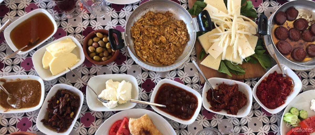Badem Kahvaltı Evi - İzmir
