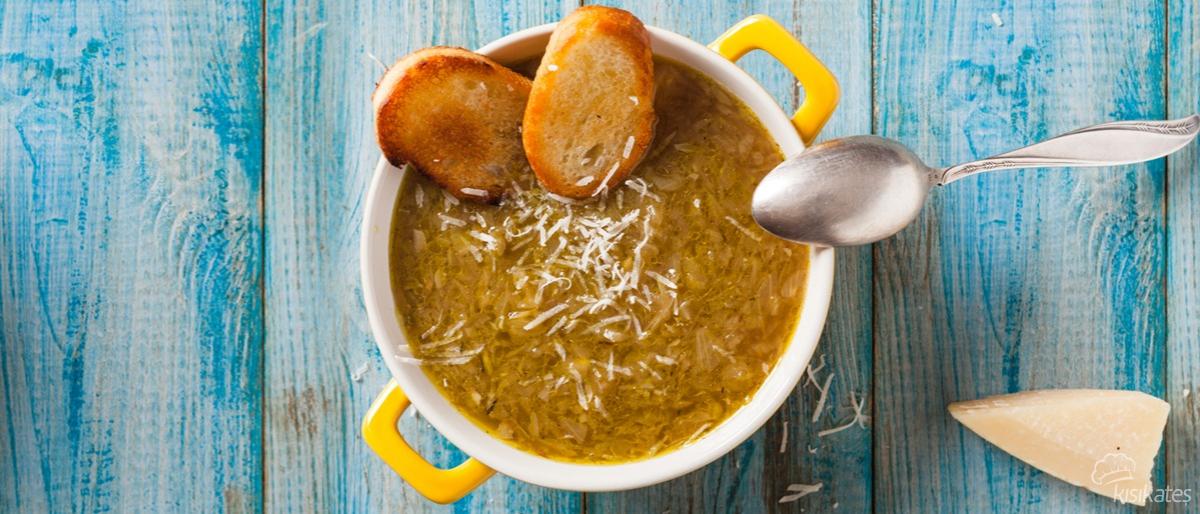 Fransız Usulü Soğan Çorbası Nasıl Yapılır?