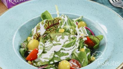 Ekşi Kremalı Akdeniz Salatası
